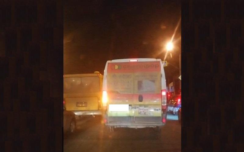 В Брянске водитель-нарушитель засветился на записи видеорегистратора