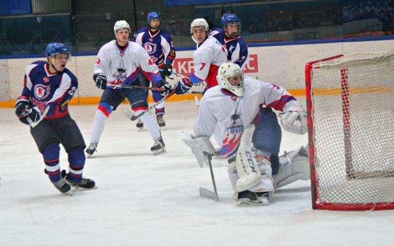 Хоккейный «Брянск» пробрался в плей-офф первенства Национальной молодежной лиги