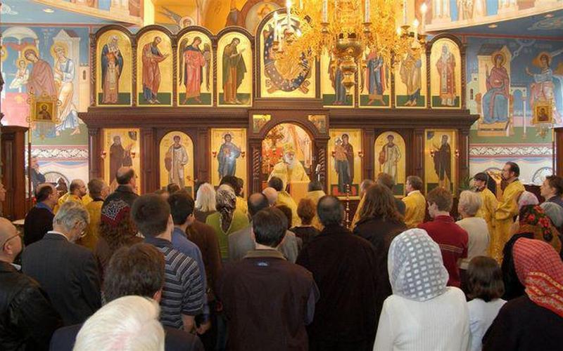 Церковь научит гомосексуалистов любить женщин