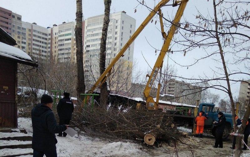 В Брянске сломалась вышка — рабочих увезли в больницу