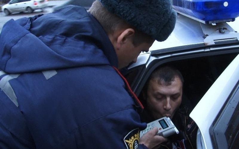 Брянский автомобилист заплатил штраф, только став невыездным