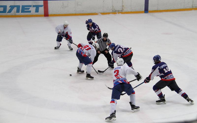 Хоккеисты «Брянска» проиграли в Рыбинске местному «Полету»