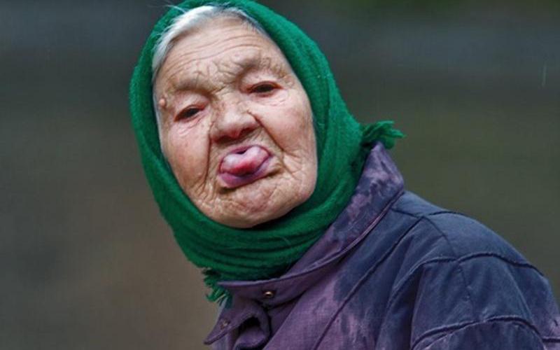 Угодившая под машину брянская пенсионерка отказалась от госпитализации