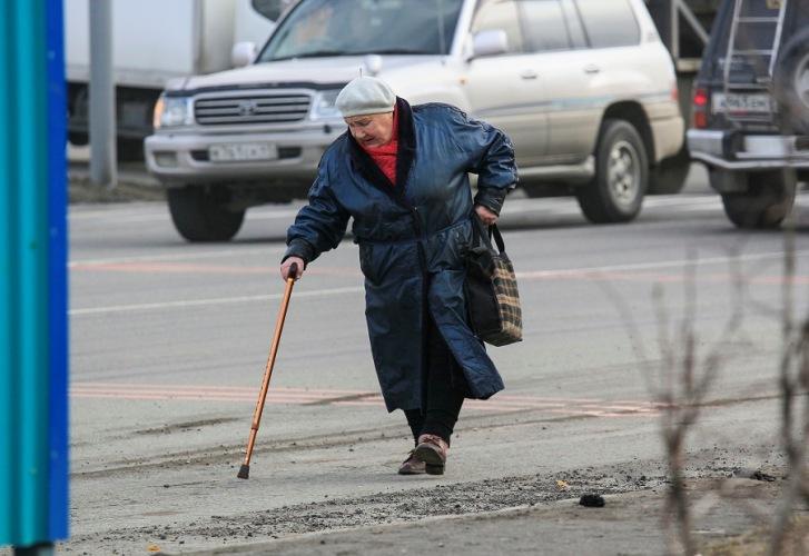 В Брянске водитель покалечил пожилую женщину и скрылся