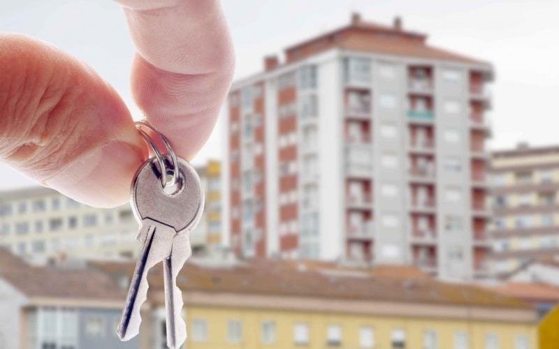 Брянских чиновников заставили выдать жилье больной горожанке
