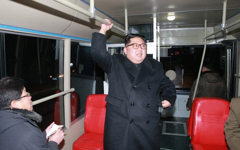 Руководителя КНДР заметили в обычном троллейбусе