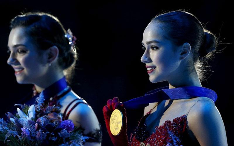 Загитова принесла России первое золото наОлимпиаде, опередив Медведеву