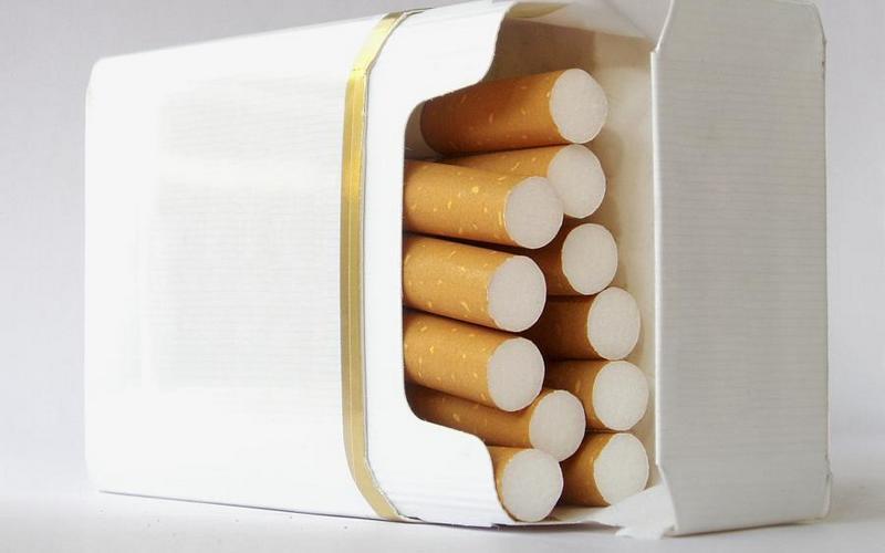 В пачке сигарет сотрудника брянской колонии нашли наркотик