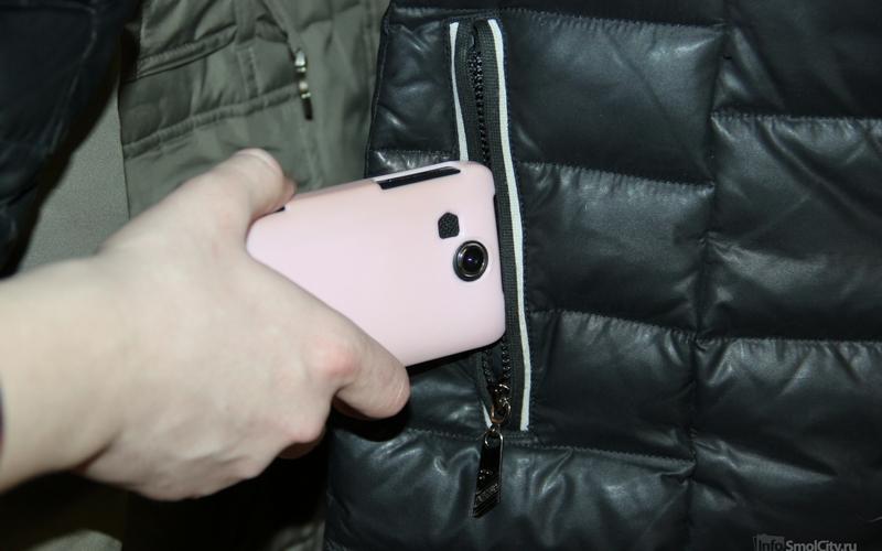 Полицейские вФокинском районе раскрыли кражу мобильного телефона