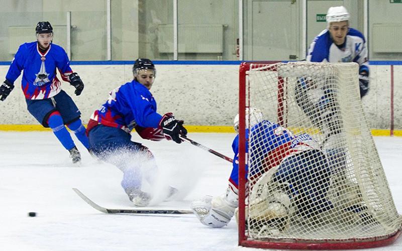 Хоккейный «Брянск» поплатился за минутную рассеянность в матче против «Тверичей»