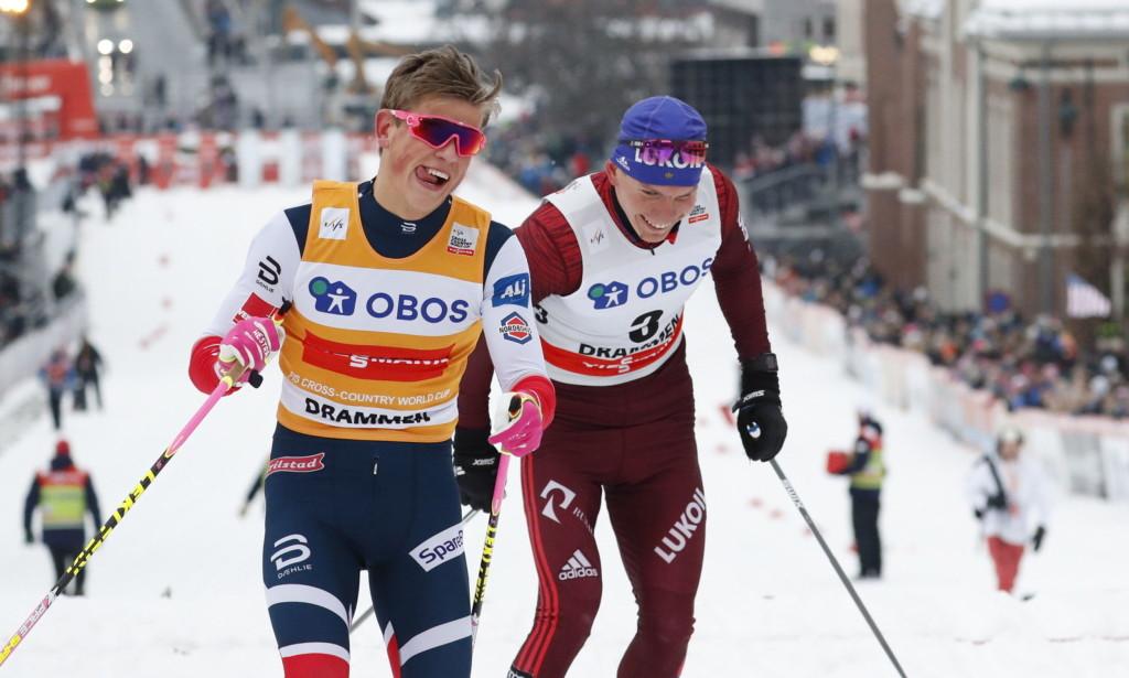 Брянец Большунов и норвежец Клэбо потешили зрителей после спринта в Драммене