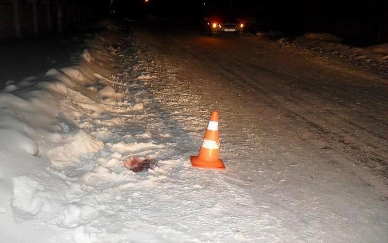 Водитель машины Renault сломал ногу пьяному пешеходу