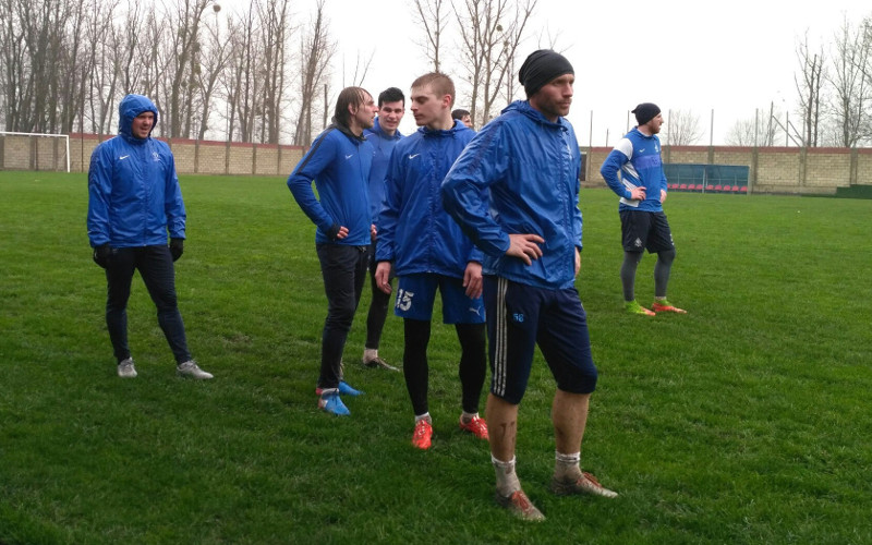 «Мокрый» матч между «Динамо-Брянск» и «Кубанской короной» завершился вничью
