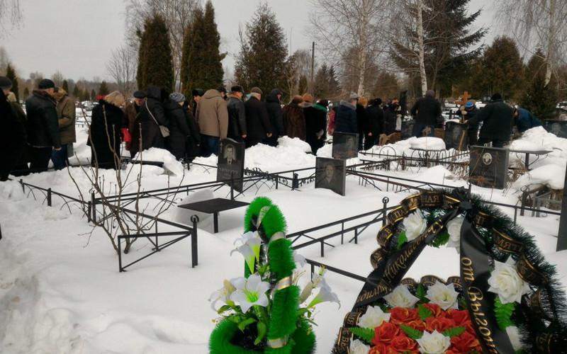 Сотни брянцев простились с Владимиром Дорощенко
