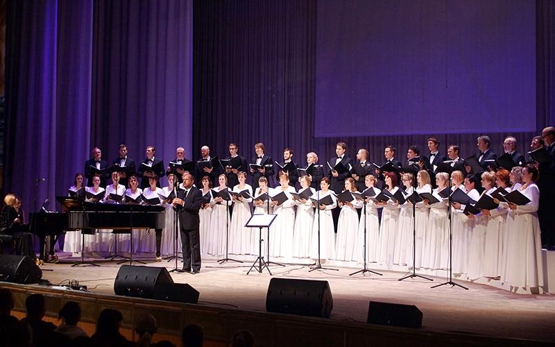 Брянский академический хор замахнулся на Queen и Beatles