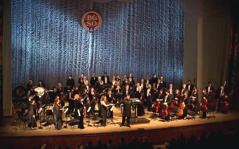 Брянский симфонический оркестр и «Джазеология» поздравят женщин с 8 Марта
