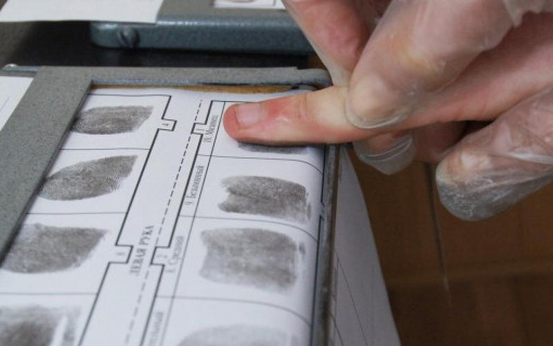 Убийцу жительницы Брянска выдали отпечатки пальцев на бутылке