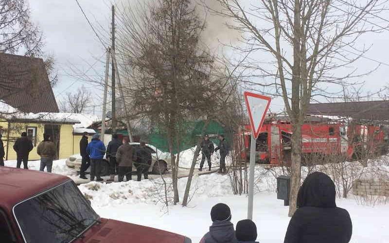 Неисправный гидрант стоил крыши над головой трем брянским семьям