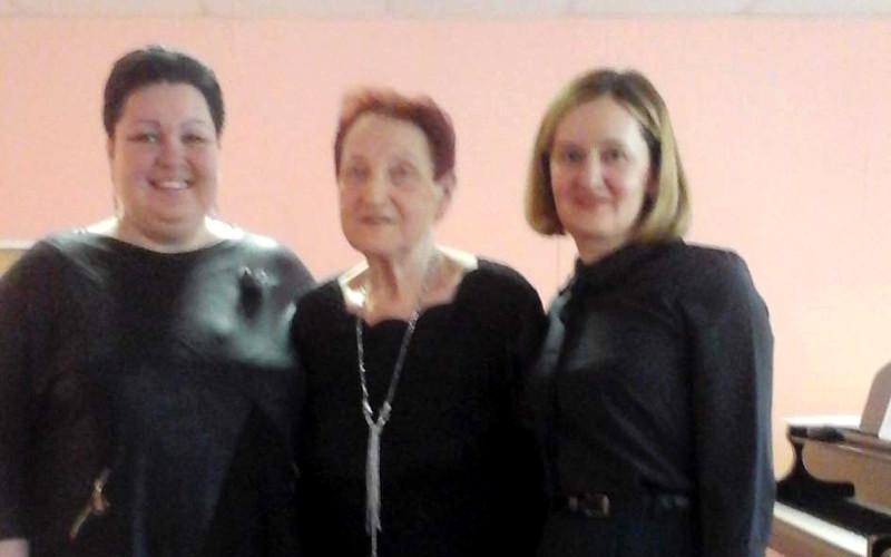 В Брянске в детской школе искусств №10 встретились поколения учителей и учеников