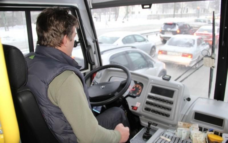 Брянский губернатор пообещал поднять зарплату водителям