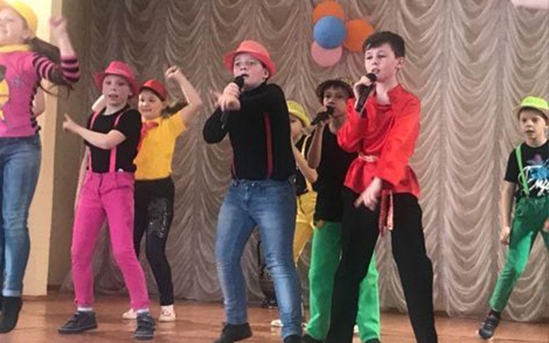 Юные артисты устроили концерт вбрянском доме-интернате