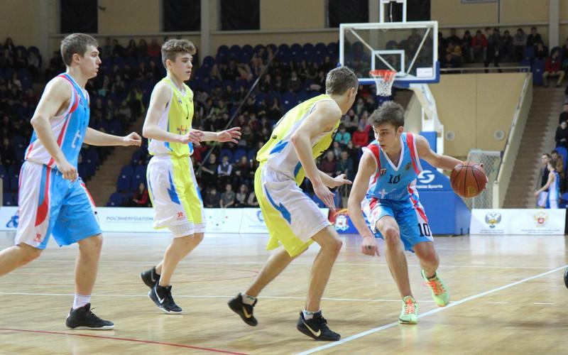 Команда брянских баскетболистов стала шестой на чемпионате школьников Центрального округа