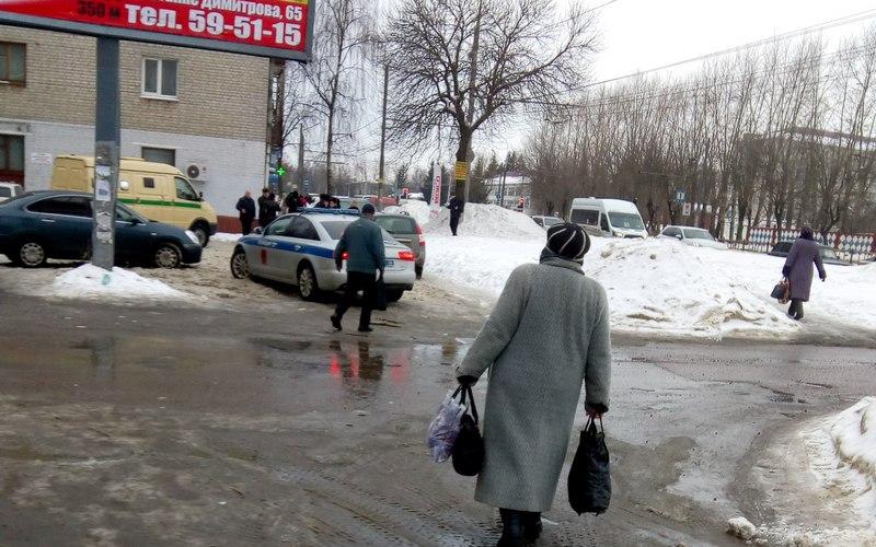 ВБрянске полиция разыскивает напавшего наинкассатора налетчика