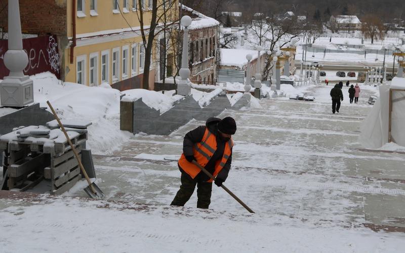 Работы на лестнице по бульвару Гагарина заморозила погода
