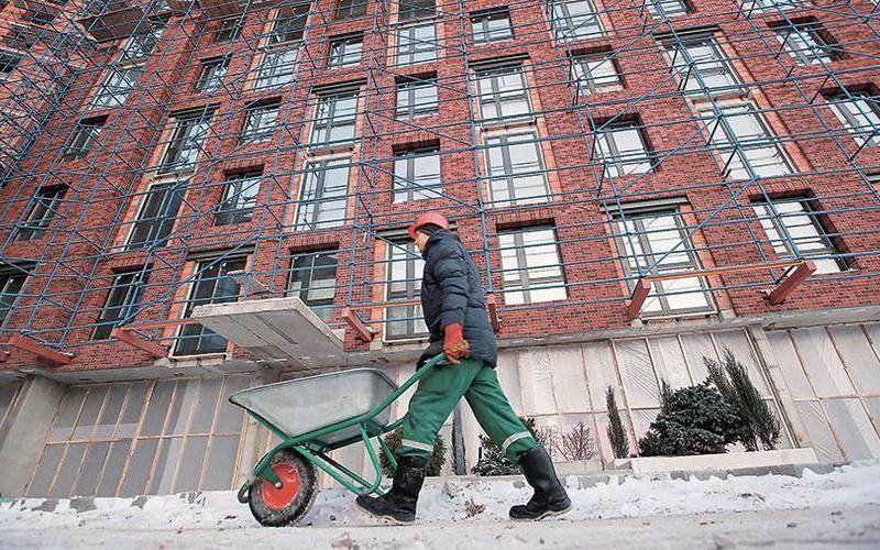 Глава Минстроя рассказал обулучшении жилищных условий россиян