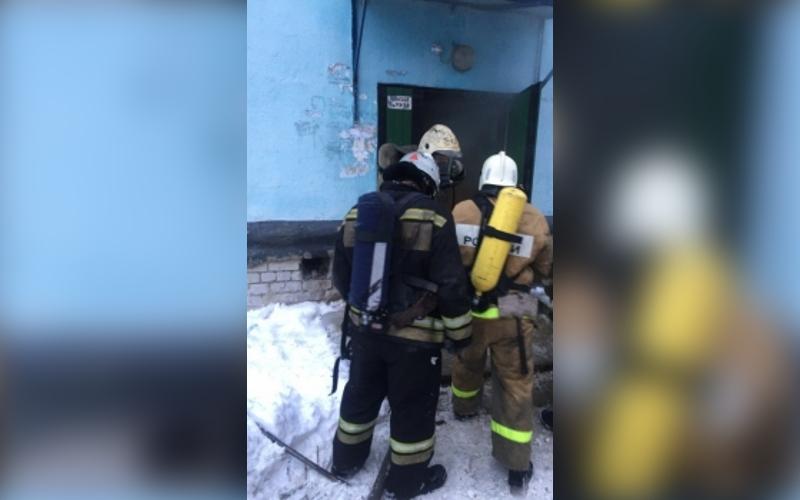 В Новозыбкове из окутанной дымом многоэтажки эвакуировали жильцов