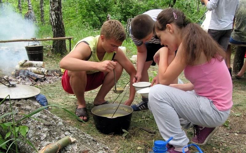 Брянцам рассказали, кто в ответе за детей на экскурсии или в походе?