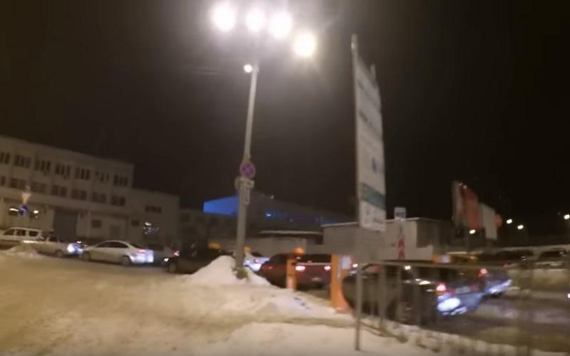 Брянцы жалуются всоцсетях напарковку увокзала Брянск-I