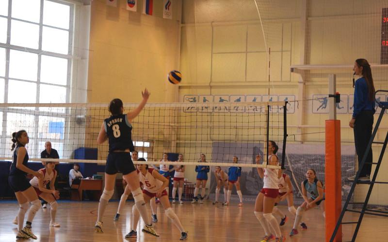 Брянские волейболистки замахнулись на седьмое место чемпионата