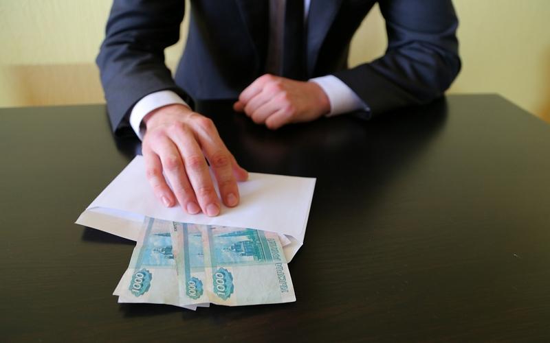 Брянец попал под следствие задачу взятки в5000 рублей