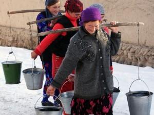 Жители: всю Юрюзань оставили на выходные без питьевой воды