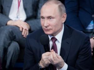Журналисты указали Путину, что надо делать