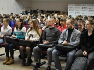 В Челябинском филиале Президентской академии студенты говорили про устойчивое развитие России