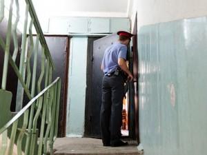 По квартирам челябинцев ходят полицейские