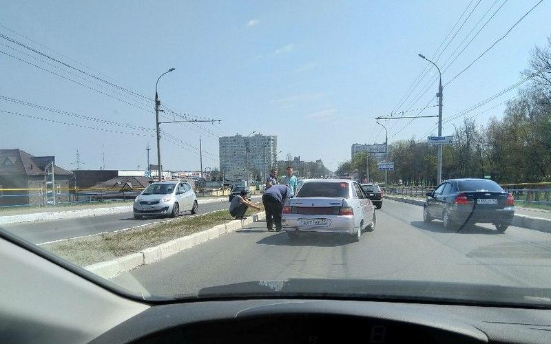 В Фокинском районе Брянска из-за аварии образовалась пробка