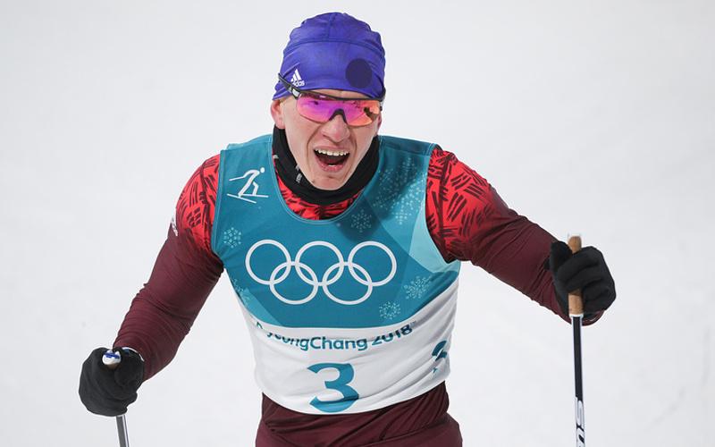 Брянский лыжник Большунов выиграл Югорский марафон