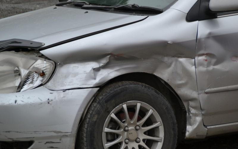 На улице Калинина в Брянске столкнулись два автомобиля