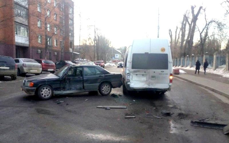 На убитых дорогах Брянска случилось более полусотни ДТП