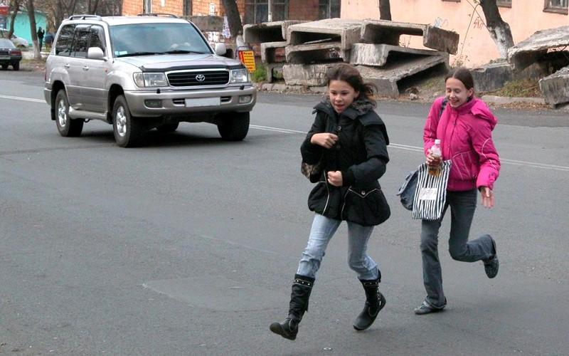 Дети устроили на дорогах Брянска игры со смертью