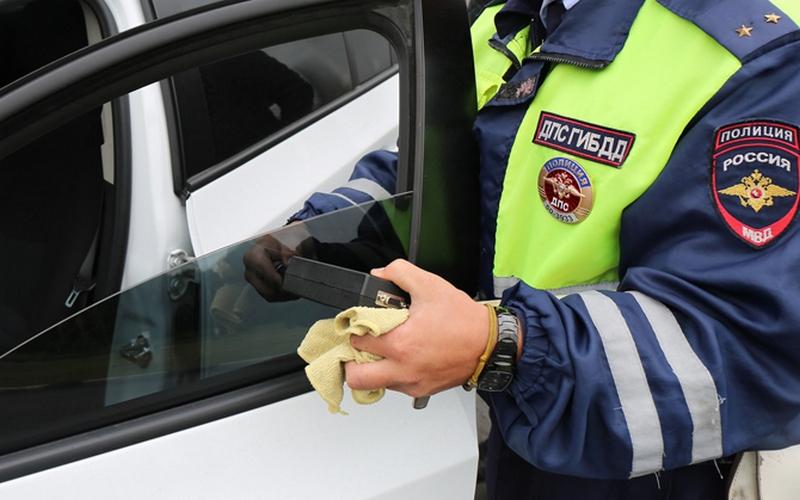 Брянские автомобилисты не испугались штрафов за тонировку