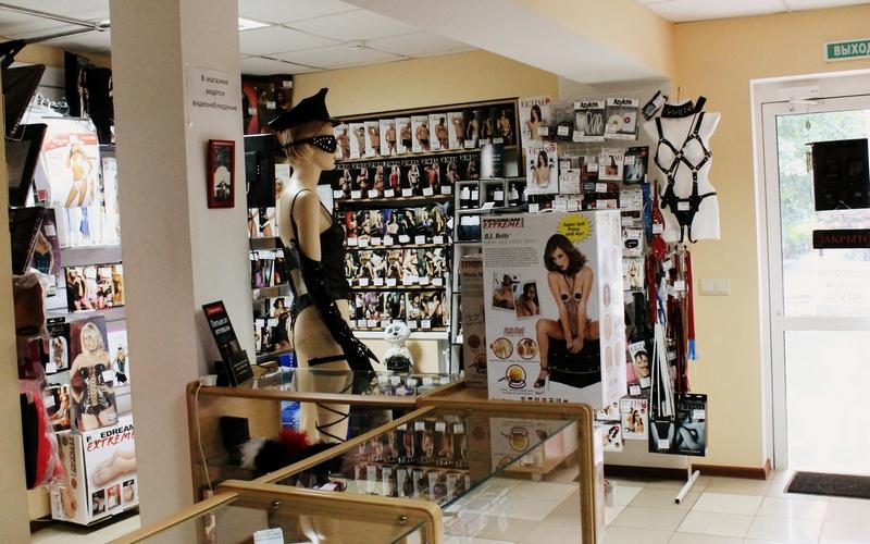 Унесли белье и массажеры: в обворованном секс-шопе Брянска подсчитали сумму ущерба