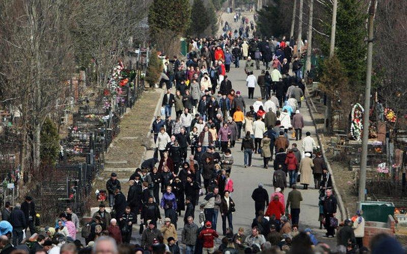 В Брянске на Радоницу ограничат движение транспорта