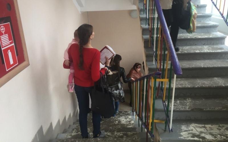 Из детской поликлиники эвакуировали около 200 человек