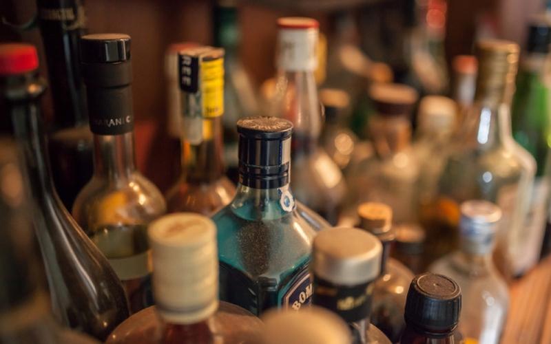 В городе Дятьково накрыли склад с «элитным» алкоголем