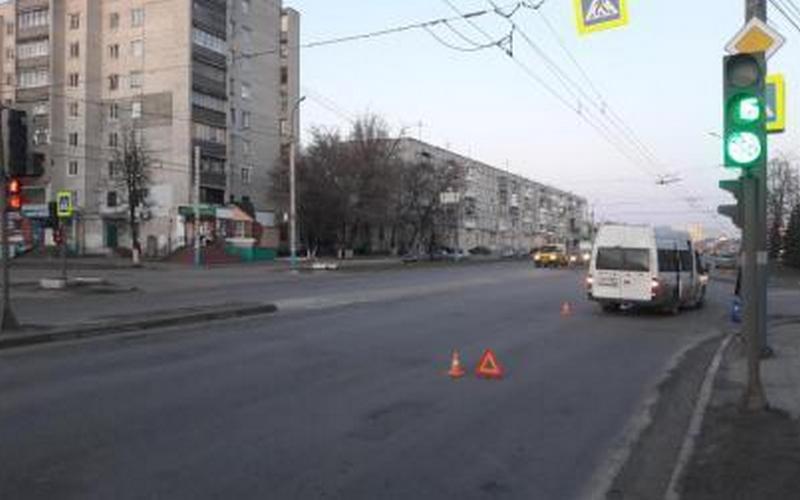 В Брянске в ДТП с маршруткой пострадала женщина