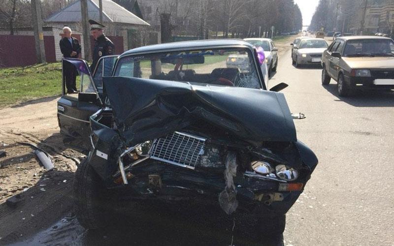 ВНовозыбкове автомобилистка покалечила пассажира